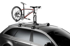 THULE 565 THRURIDE AXLE MOUNT BIKE CARRIE