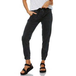 SWELL WOMENS ESSENTIAL CHINO JOGGER BLACK