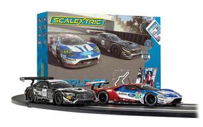 SCALEXTRIC C1403 WORLD GT SET (FORD GT VS AMG GT3) - ARC AIR